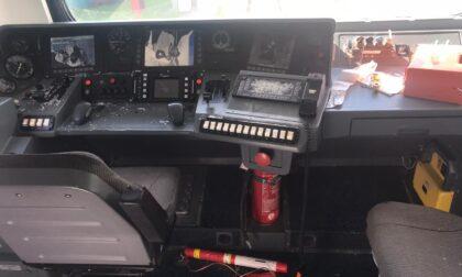 Distrutti dai vandali tre convogli Trenord in sosta a Como Lago: danni per oltre 100mila euro