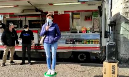 """I proprietari della pizzeria Marechiaro: """"Abbiamo aperto a febbraio 2020, ora rischiamo di chiudere"""""""