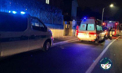 Malore in casa a Cantù: i soccorritori sfondano una finestra per salvare un'anziana