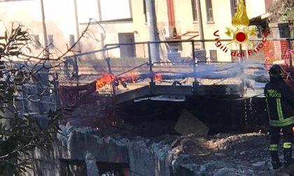 Prendono fuoco dei cavi elettrici alla stazione di Fino Mornasco: intervento dei pompieri