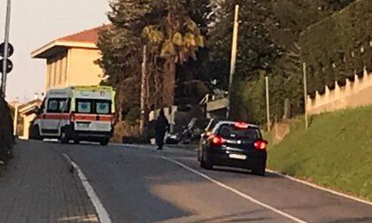 Incidente a Cermenate: postino cade dalla moto, soccorso in codice rosso
