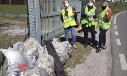 """Anche oggi i volontari di """"Demas da fa"""" puliscono le strade marianesi"""