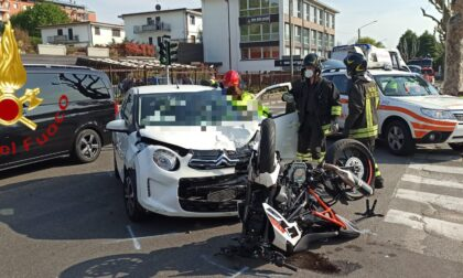Incidente a Como: scontro tra auto e moto