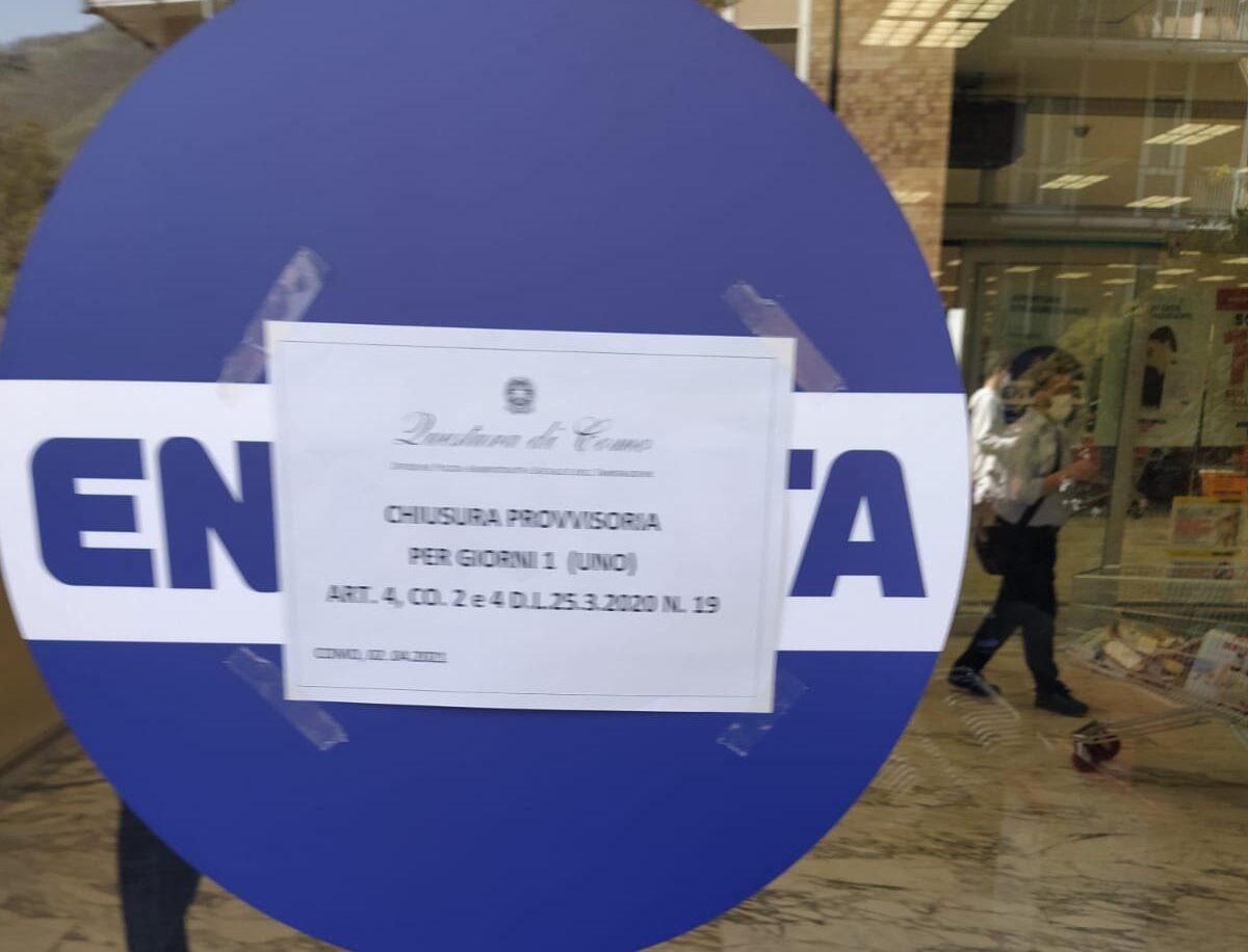 """Normativa anti-Covid, Esselunga di via Carloni a Como chiusa per un giorno. Il supermercato: """"Mai superata la capienza massima"""""""
