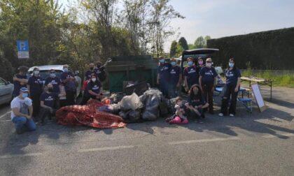 Grande successo per la giornata Plasticfree a Casnate: in 98, tra cui bambini e famiglie, a ripulire i boschi