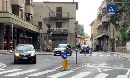 Statale riaperta in centro a Olgiate: finiti i lavori per le due rotonde nuove