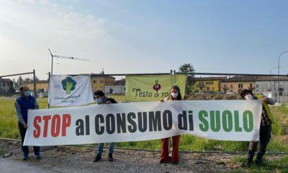 """No al cantiere in via Galilei a Erba, Circolo Ambiente: """"E' l'ultimo appezzamento verde di Incasate"""""""