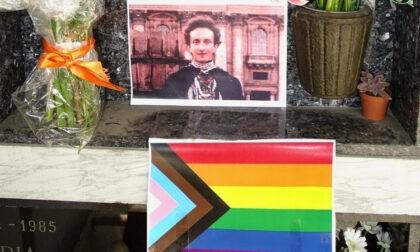 """La petizione per l'attivista per i diritti lgbtqi+ Mario Mieli e l'appello al Comune: """"E' sepolto a Lora, si affigga una targa"""""""