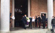 L'ultimo saluto alla piccola Sharon: Cabiate unita nel lutto
