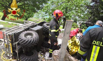 Si ribalta col trattore, ferito un 71enne