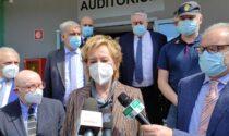 """La vicepresidente lombarda Letizia Moratti in visita al Sant'Anna: """"L'hub di Villa Erba? Giusto che le strutture vengano riconsegnate alle loro attività"""""""