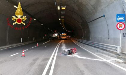 Incidente in galleria a Dongo, muore in moto a 47 anni