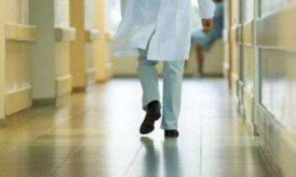 Casa di riposo sospende 18 sanitari No Vax che rifiutano la dose