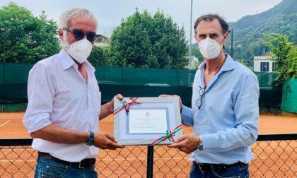 Tennis coi ragazzi autistici premiati il maestro Paolo Carobbio e l'Asd Tennis Como