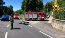 Moto contro un'auto: centauro trasportato in ospedale