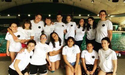 Rane rosa la squadra Under16 di pallanuoto della Recoaro seconda nel girone lombardo