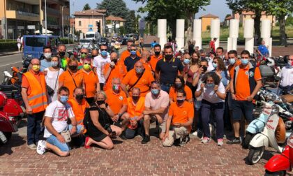 Circa 300 mezzi colorano la città per il raduno del Vespa Club Olgiate Comasco