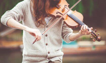 """La violinista erbese Sofia Manvati domani protagonista al Conservatorio """"Verdi"""" di Milano"""