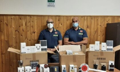 Contrabbandavano prodotti estetici e profumi di noti marchi