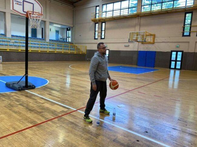 pallacanestro comasca coach Matteo Cara