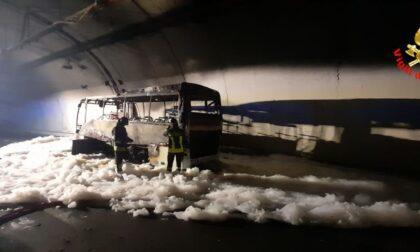 """Autobus in fiamme Orsenigo (Pd): """"Emendamento per un nuovo bus della Croce Rossa di Lipomo"""""""