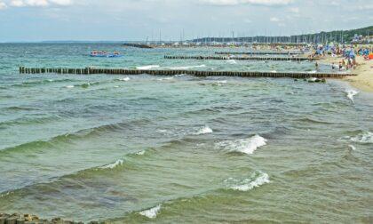 Tragedia a Cervia: donna di Rovellasca muore in mare