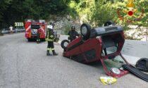 Auto si ribalta a Dizzasco: paura anche per un ragazzino