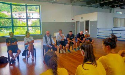 Albese Volley, il presidente Graziano Crimella ha incontrato e spronato la nuova Tecnoteam
