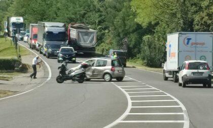 Incidente sulla Novedratese a Carimate tra auto e scooter