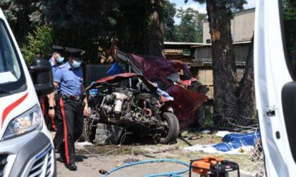 Esce di strada e finisce contro un muro: muore automobilista