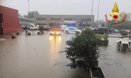 Maltempo: esonda il torrente a Villa Guardia, CenterVill allagato. Chiusi ponti e sottopassi, ecco quali