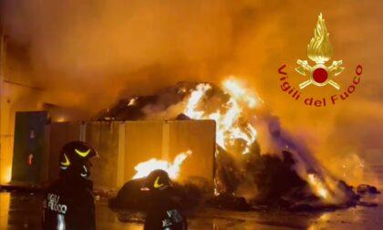 """Incendio deposito rifiuti, dal Movimento 5 Stelle: """"Situazione preoccupante nel Comasco"""""""