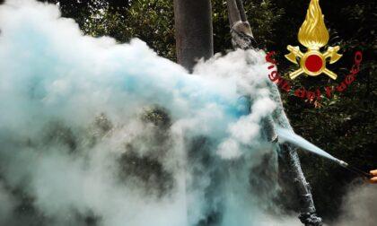 Prendono fuoco cavi elettrici a Como: allarme in via Prudenziana