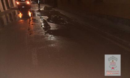 Riparata la perdita di acqua: via Borgovico è stata riaperta