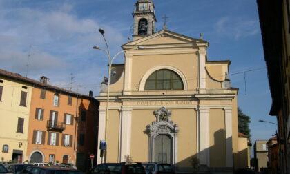 Furto alla parrocchia di Albavilla: via con la cassetta delle offerte