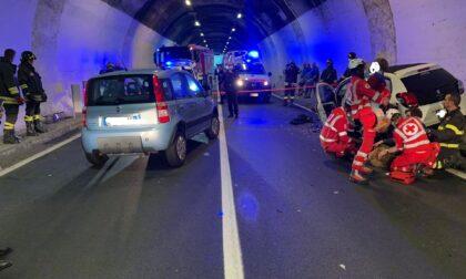 Incidente a San Siro, schianto tra auto in galleria sulla Regina