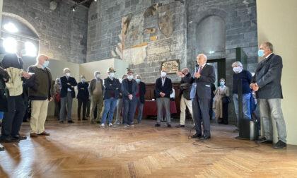Inaugurata la mostra di Vincenzo Schiavio al Broletto