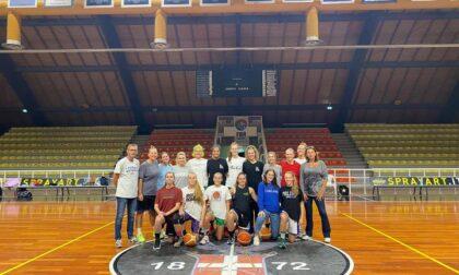 Basket femminile tempo di amichevoli per le squadre lariane in vista del debutto del 15-16 ottobre