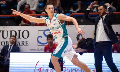 Pallacanestro Cantù agguanta la seconda vittoria in campionato a Pistoia