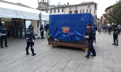 """Al via la rassegna """"Noi siamo Loro"""": posizionata a Cantù la teca con i resti dell'auto della scorta di Falcone"""